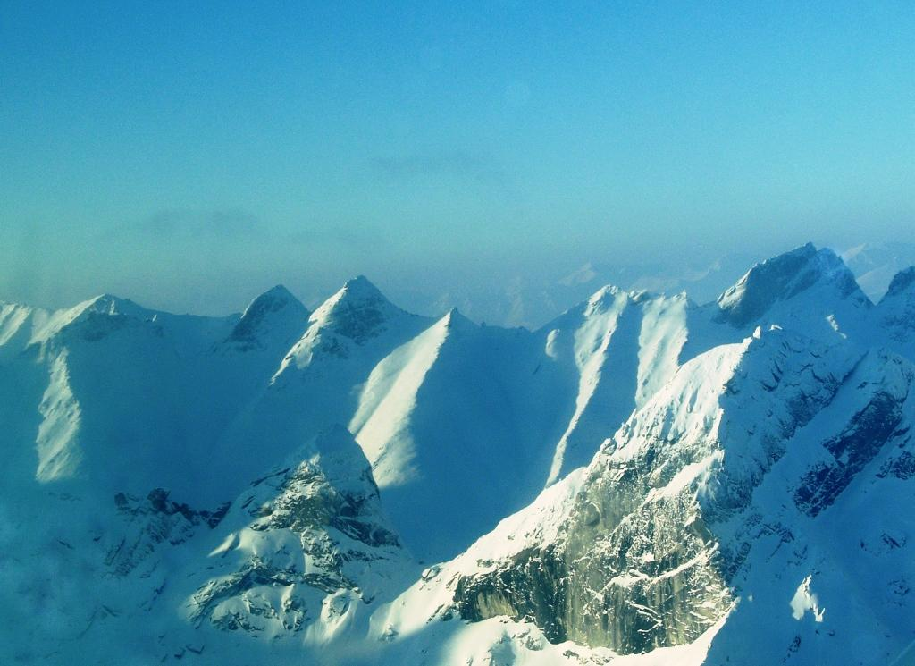 Flight-seeing Over Gates of the Arctic National Park ...