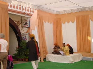 New Dehli Cantonment and Palace on Wheels lobby (MCArnott)