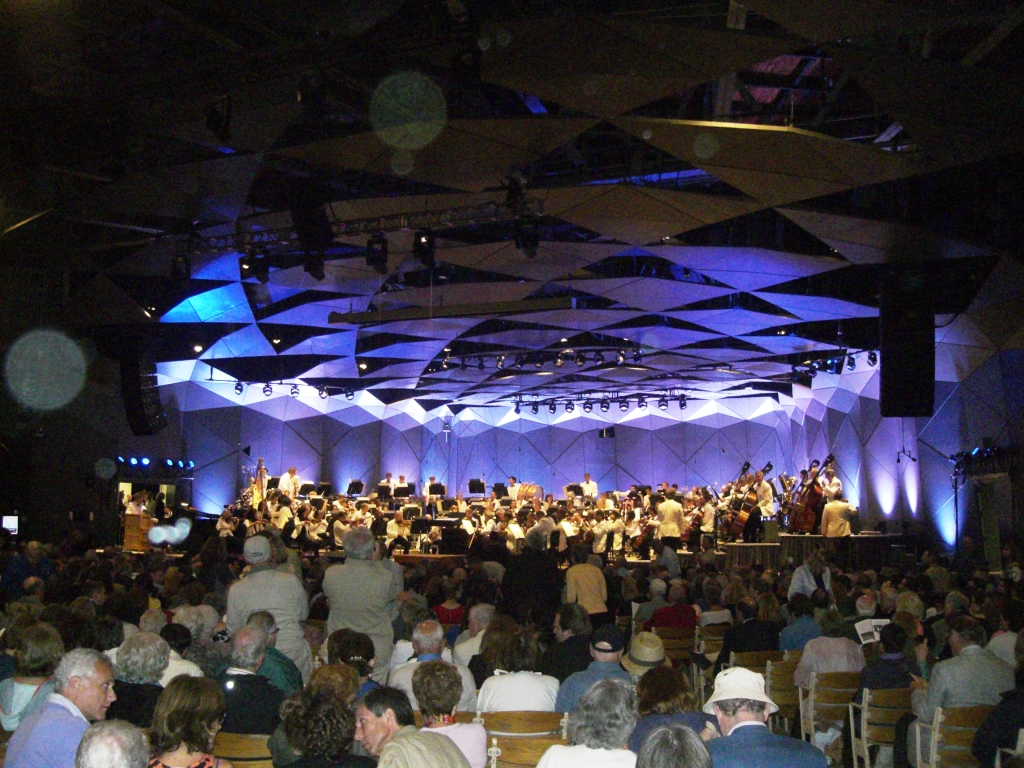 Picnicking and concert going at tanglewood in the for The tanglewood