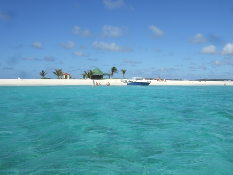 You can't get lost on Sandy Island off Anguilla. Photo by Laura Byrne Paquet.