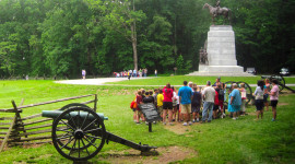 Tour group on the Gettysburg Battlefield