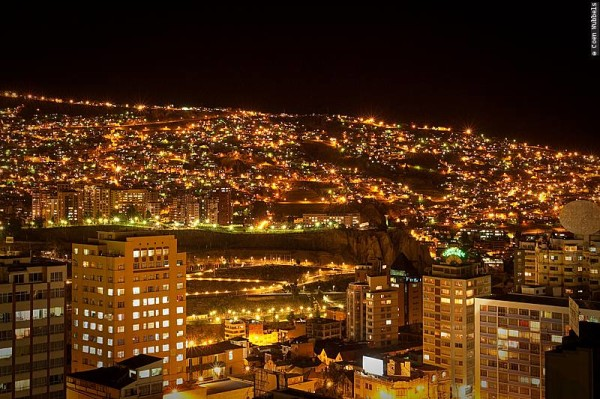 La Paz is beautiful at night but do call a radio taxi to take you somewhere (©photocoen)