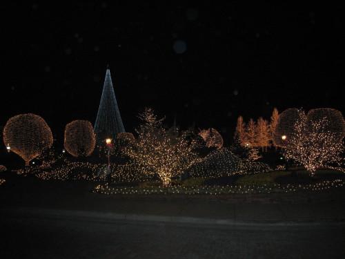 Outdoor illuminations at the Opryland in Nashville