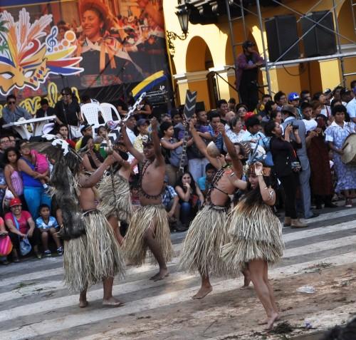 amazon dancers at Lina Carnaval