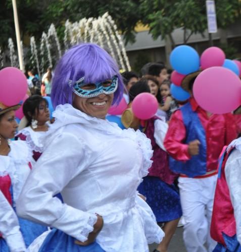 dancer Lima parade cropped squre compressed
